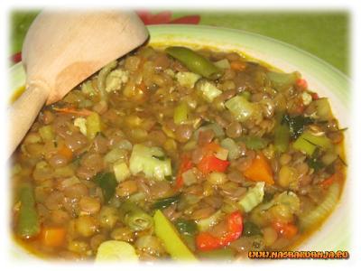 Согревающий суп из зеленой чечевицы