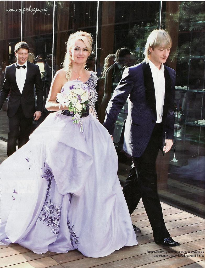 Local style: Wedding dresses of Russian celebrities