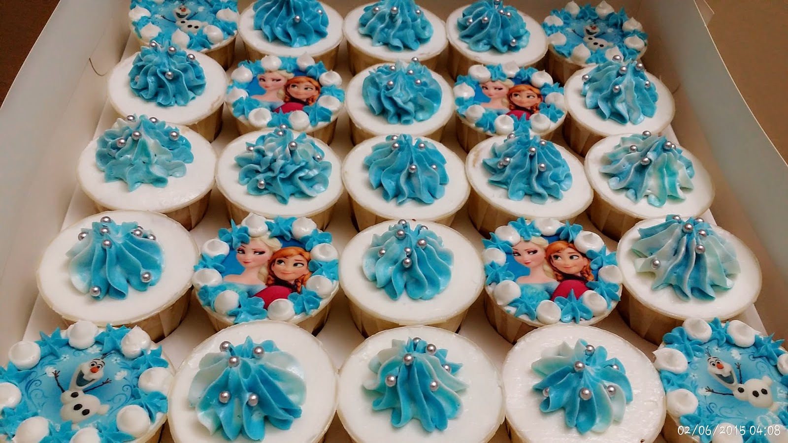 how to make frozen elsa cupcakes