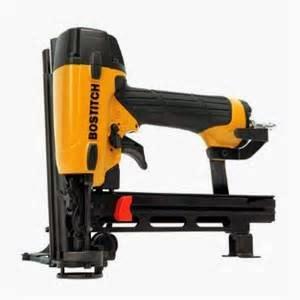 Apa yang anda dapatkan di dalam Box  Bostitch LHF2025K 20-Gauge Engineered Hardwood Flooring Stapler, tas, dua cadangan no-mar panduan, 1. 000 staples, serta blok instalasi