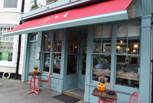 Cena Yarm Restaurant Review Front of Shop