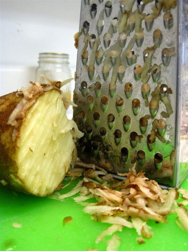 Truco para limpiar el queso del rallador