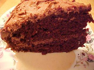 Gâteau diablement délicieux et sa sauce aux marrons vanillée