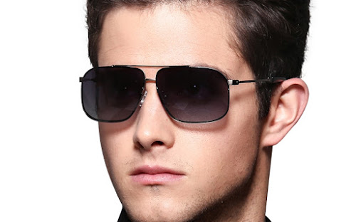 Phụ nữ nghĩ gì khi gặp một anh chàng đeo kính?