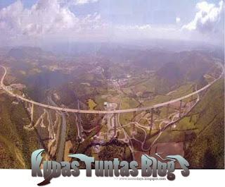 Millau Viaduct V - [www.zootodays.blogspot.com]