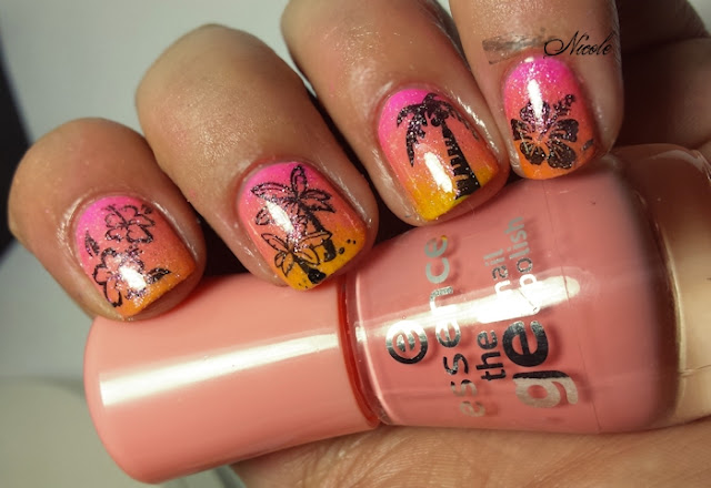 http://rainpow-nails.blogspot.de/2015/07/summertime-palmen.html