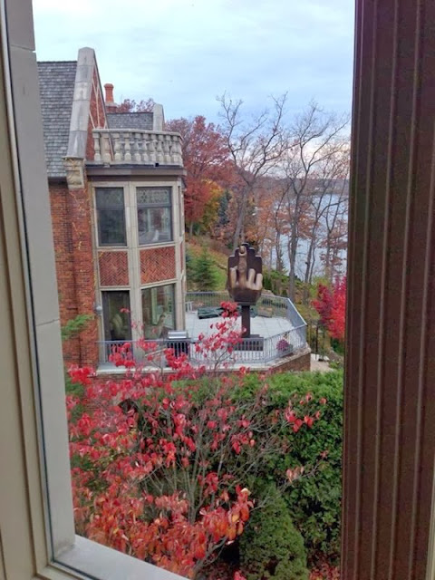 Man Buys House Next To Ex-Wife, Erects Middle Finger Statue