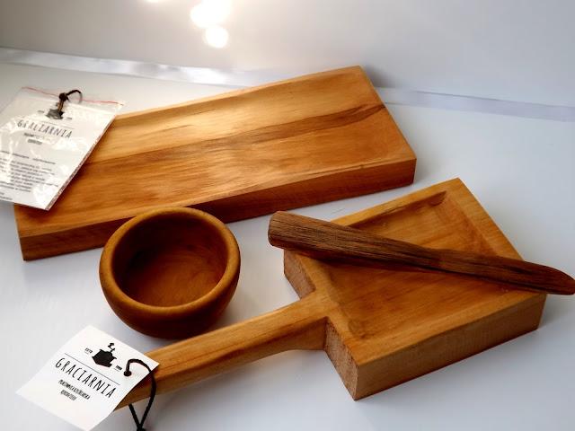 Drewniane przybory  do kuchni.