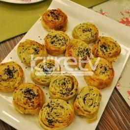 Dereotlu Peynirli Dilim Börek Tarifi