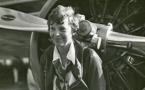 amelia earharts courage that made her the first woman to cross the atlantic by plane Amelia earhart an american aviator, was the first woman to receive the u distinguished flying cross for flying solo across the atlantic and pacific oceans among her many achievements, earhart w find this pin and more on people i would love to have tea with by sabrina kelley .