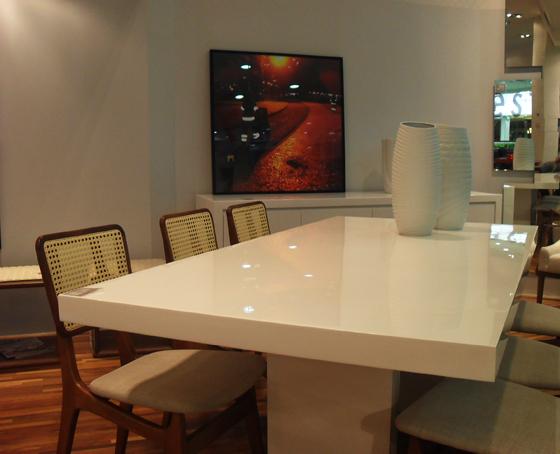 Arqui farofa arquitetura e design mesa de jantar em resina branca - Mesa de silestone ...
