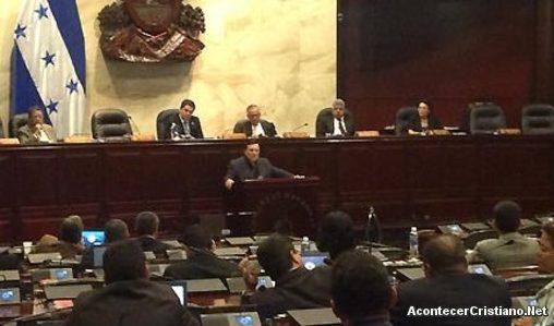 Alberto Mottesi pide a congresistas hondureños vivir en integridad