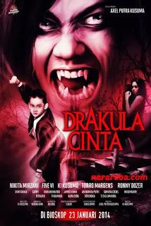 """Nikita Mirzani dalam film """"Drakula Cinta"""" (2014)"""