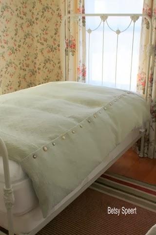 betsy speert 39 s blog a vintage twist for a new duvet cover. Black Bedroom Furniture Sets. Home Design Ideas