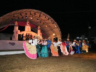 celebrando el Dia del Folklore en Olanchito