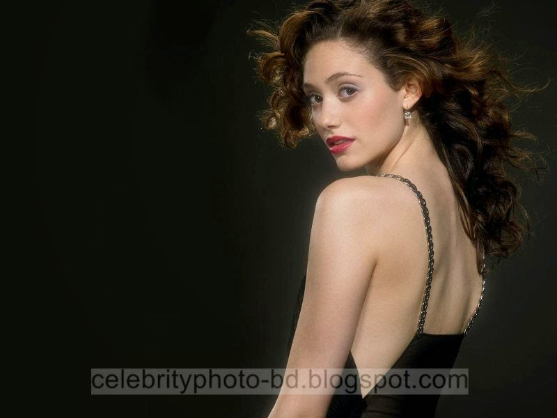 Emmy+Rossum+Latest+Hot+Photos+With+Short+Biography001