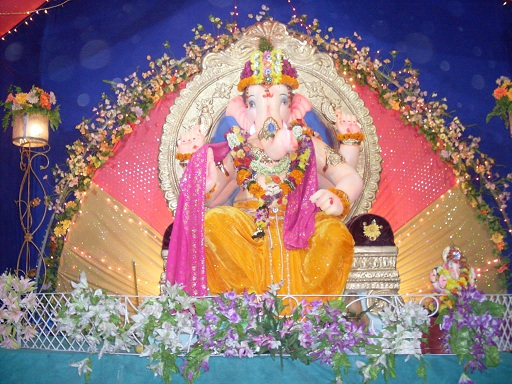 Ganesh chaturthi 2012 decoration ganpati decoration ideas for Background decoration for ganpati