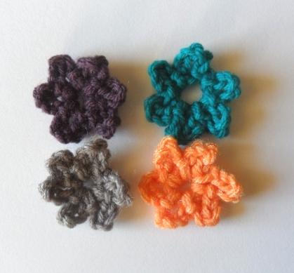 Crochet Simple Flower Tutorial : Grow Creative Blog: Mini Crochet Flower Tutorial