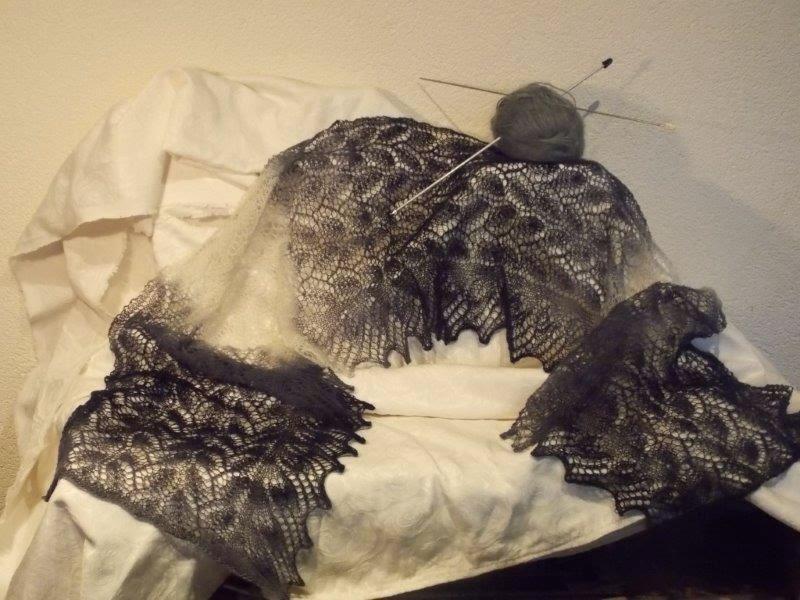 TE KOOP: extra lange sjaal.2.10 cm lengte