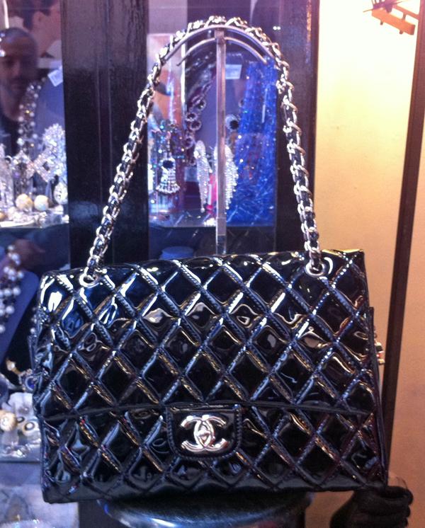 Vintage Chanel 255 on www.designandfashionrecipes.com