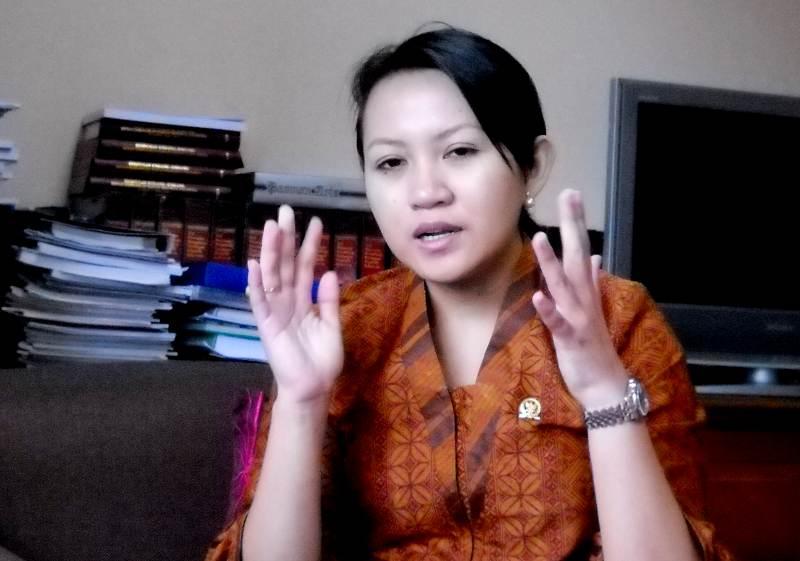 ... Anggota DPR RI Beredar - Foto Skandal Seks Anggota DPR RI tanpa sensor