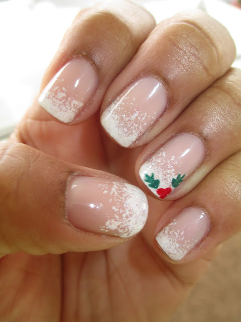 Essie Sugar Daddy, Sally Hansen White On, China Glaze Hey Sailor, Julep Hoch, Christmas, winter, snow, holly, french tip, frenchie, nail art, nail design, mani