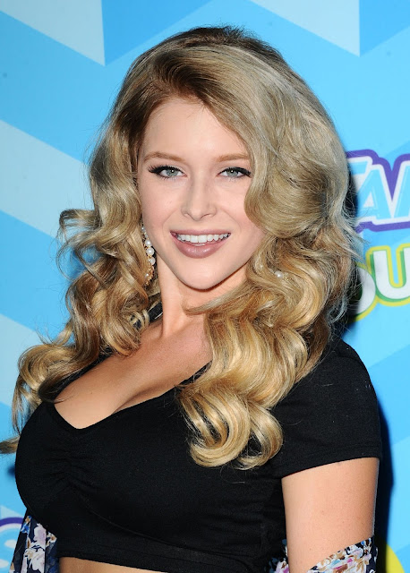 Renee Olstead – 2015 Just Jared Summer Bash Pool Party in Hollywood
