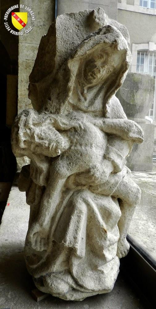 TOUL (54) - Musée d'Art et d'Histoire : Croix-calvaire de Frolois