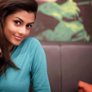 Anisha Ambrose Gabbarsingh 2 Heroine (6).jpg
