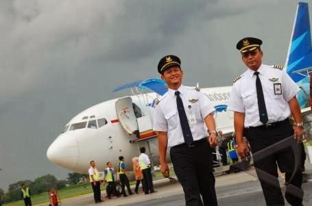 http://www.agen-tiket-pesawat.com/2012/12/indonesia-butuh-500-600-pilot-per-tahun.html