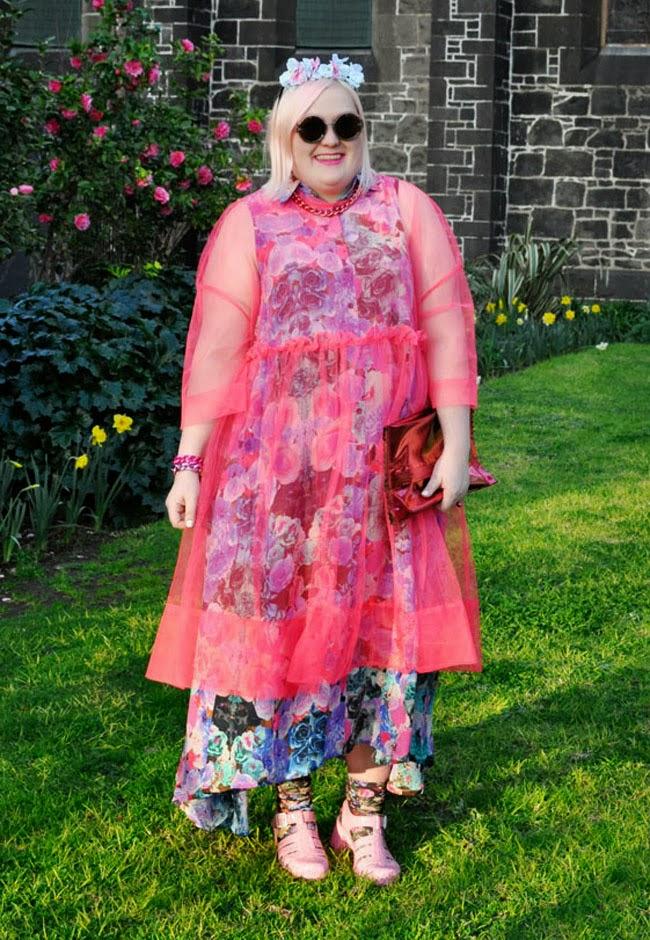 Fashion Hayley, Pink Look, Candy Clutch, Flower Crown