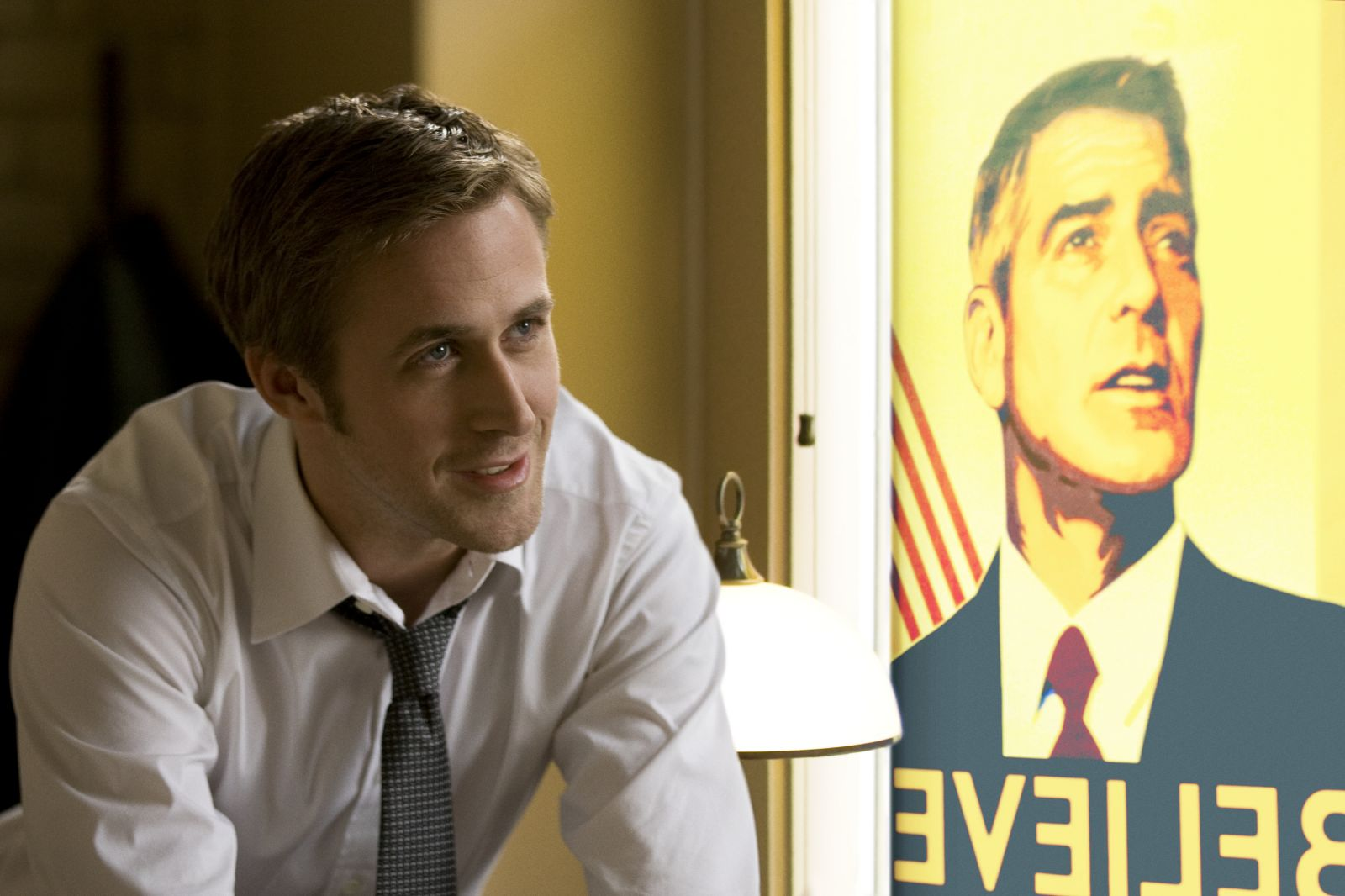 http://1.bp.blogspot.com/-nmv0TKNjOgQ/TvkquQa6MLI/AAAAAAAAFm0/UGIynyejbAE/s1600/ides-of-march-movie-image-ryan-gosling-1.jpg