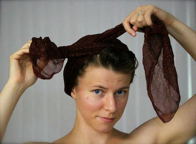 How to Tie a Vintage Style Head Scarf Bow ~ ChatterBlossom #pinup #scarf #hair #vintage