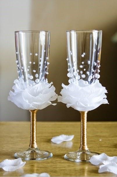 ไอเดียงานประดิษฐ์ปรับโฉมแก้วไวน์ให้ดูน่าใช้เข้ากับบรรยากาศนัดออกเดทครั้งหน้า