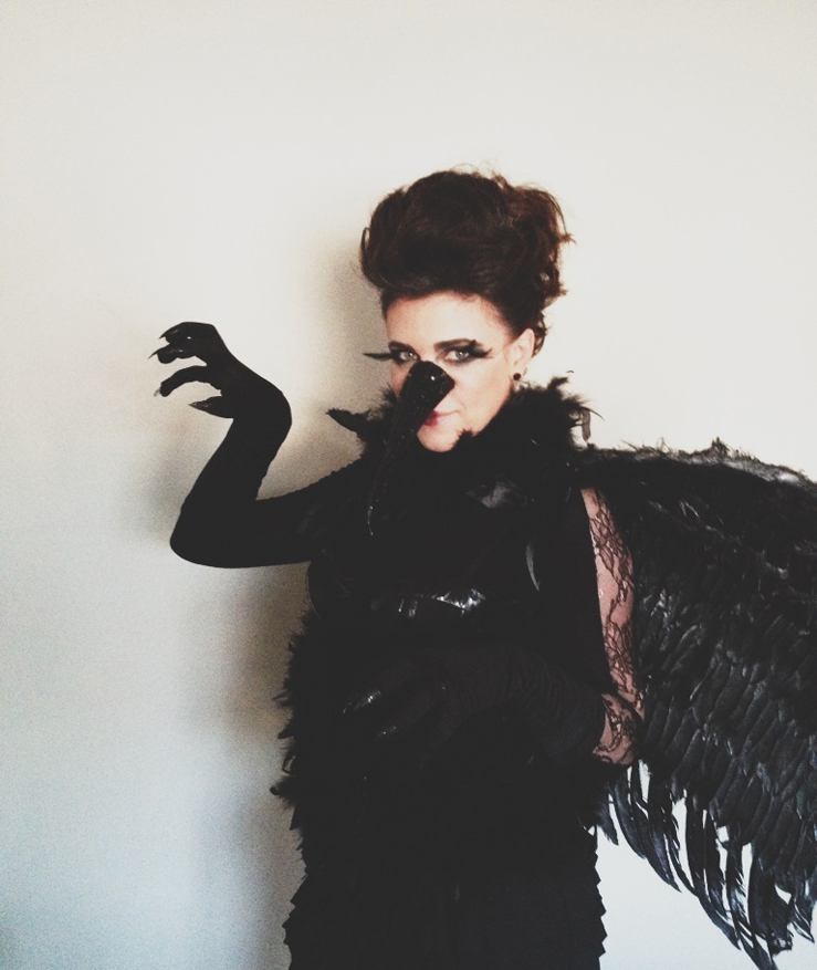Vintage whites blog halloween diy raven costume diy raven costume solutioingenieria Image collections