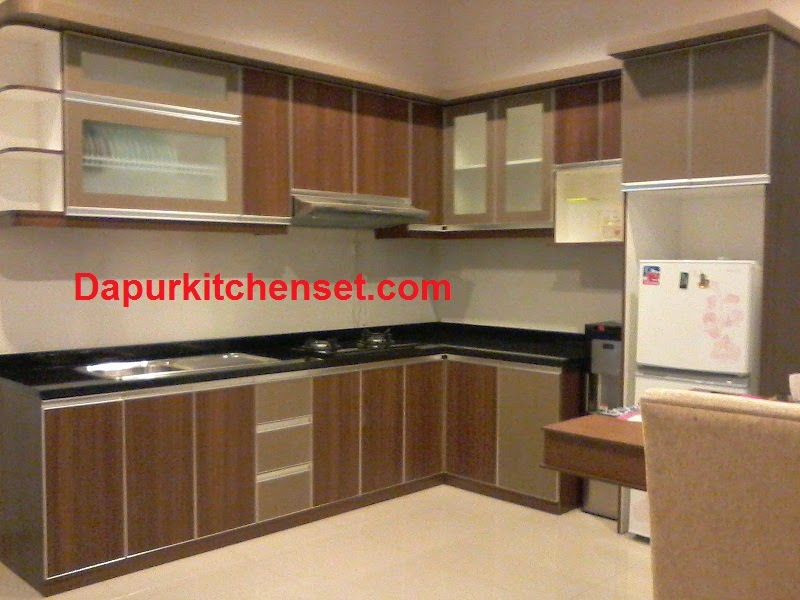 Jasa kitchen set harga kitchen set per meter murah for Harga kitchen set murah