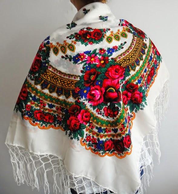 http://moda-re.blogspot.ro/search/label/esarfe%20gipsy