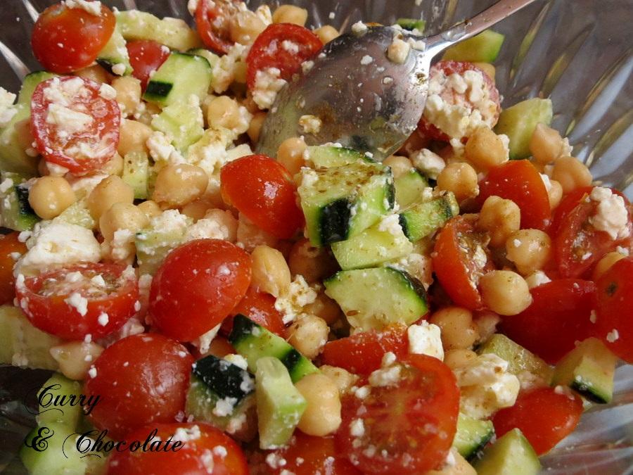 Ensalada mediterránea de garbanzos – Mediterranean chickpea salad