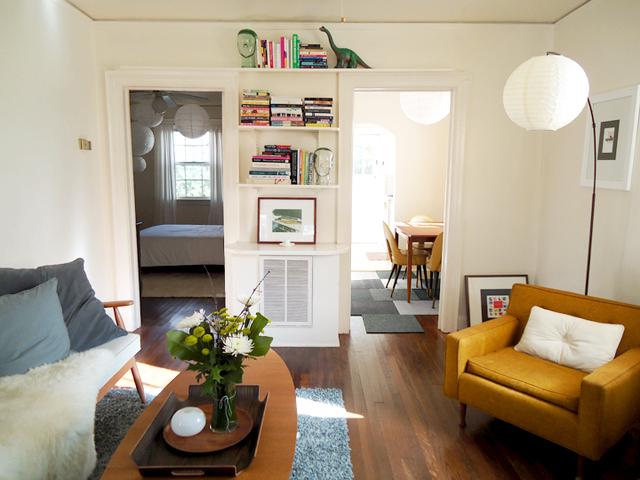 Papierleuchte als Ersatz für eine Bogenlampe und in mehrfacher Hängung im Schlafzimmer
