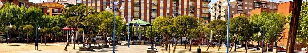 árboles y templete, parque Garrido, Salamanca
