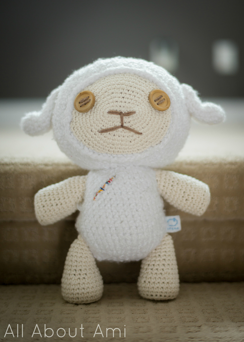 Crochet Pattern For A Lamb Hat : Crochet Lamb Hat Pattern - Repeat Crafter Me