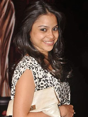 Sumona Chakraborty Bra Underweear Visible