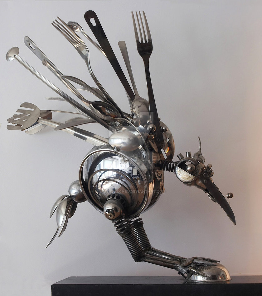 03-Crow-Dimitar-Valchev-Recycled-Animal-and-Insect-Sculptures-www-designstack-co