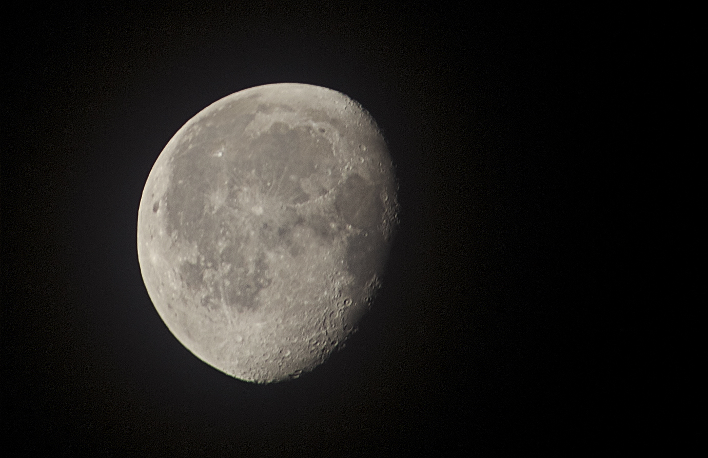 Waning Gibbous: 15 frames stacked in Registax