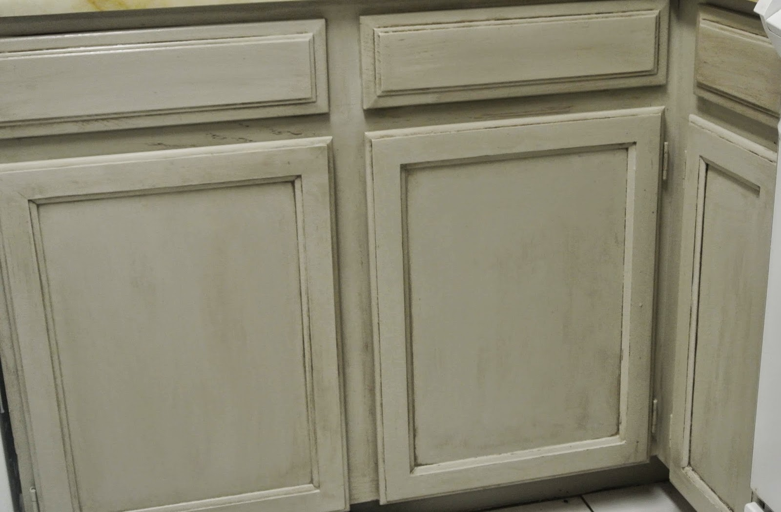 Madame butterfly chalky paint kitchen cabinet makeover for Antiquing kitchen cabinets with chalk paint