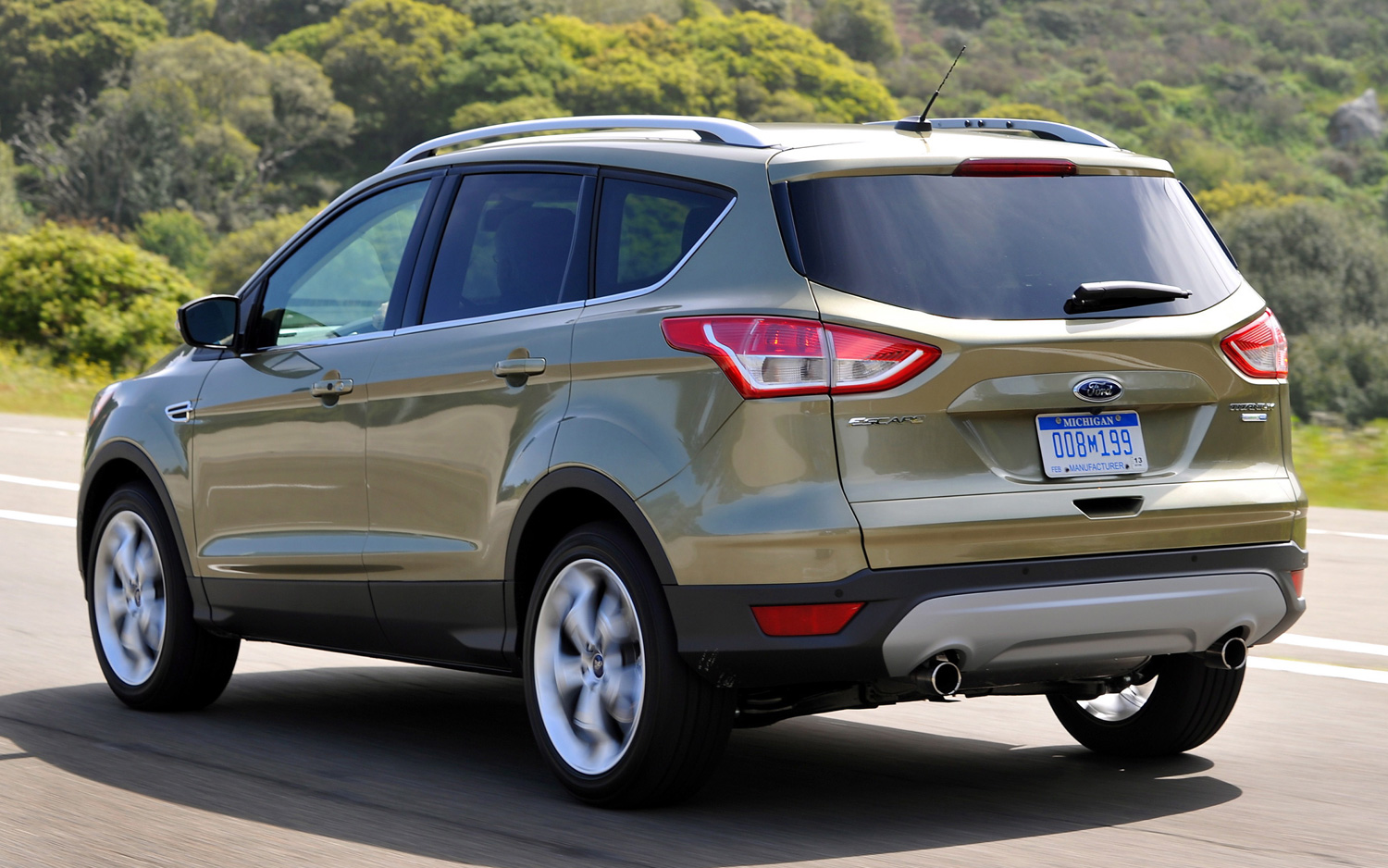 ford escape information and reviews world of cars. Black Bedroom Furniture Sets. Home Design Ideas