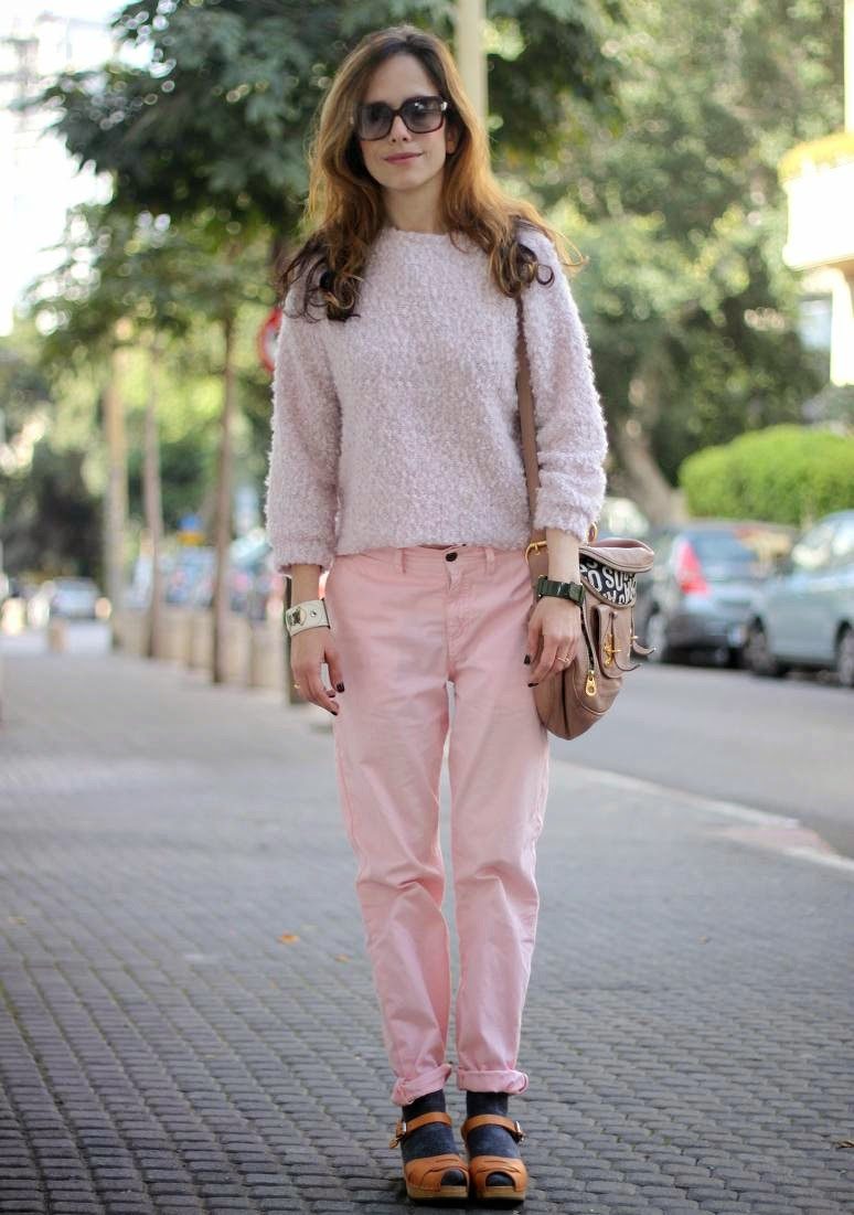 fluffy sweather, babypink, street-style, inspiration, valentine, love, telavivfashion, fashion blog, בלוגאופנה, אופנה, השראה,שבועאופנה,קסטרו