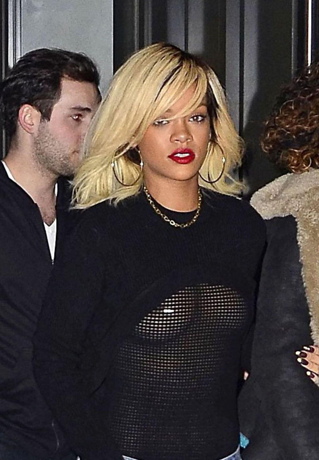 http://1.bp.blogspot.com/-nopnwfZxDKM/T2IcthFSJGI/AAAAAAAAC2o/Nk9KBtuG0Ws/s1600/Rihanna-11.jpg
