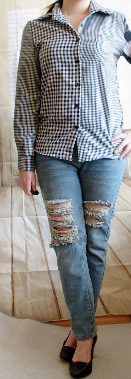 Outfit How to style a Boyfriend Jeans - Check Shirt