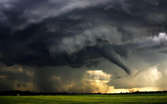 foto badai, foto tornado, gambar tornado